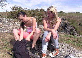 Two hotties go for a hike plus strike at snatch on a mountain top
