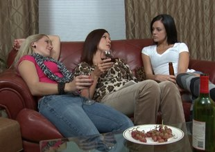 Wine drinking ladies have a hot lesbian trio in borderline