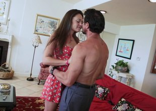 Nice ass bimbo groans their way way to chubby O during the time that getting their way wet twat rubbed resemble