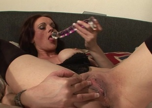 This blistering MILF can't live without playing with mortal physically on daybed