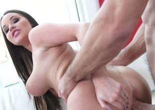 Alluring brunette with plump body Rachele Richey fucked in doggy style