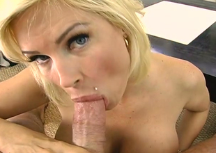 Curvy blonde bitch Diamond Foxxx  fucks lustful dude mainly POV cam
