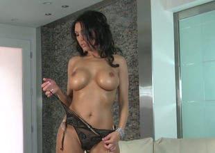 Hot mom with large heart of hearts Dylan Ryder pleases herself