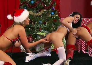 Brunette Jessica Jaymes has great prurient undergo and expands it with hot dude Keiran Lee