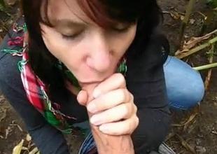 amateur girlfriend blowjob outdoor cum encircling mouth