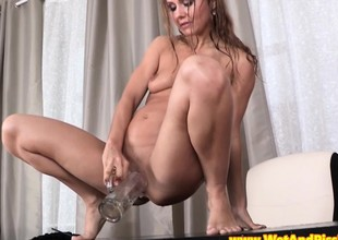 Go to the lavatory messy babe rubs her pussy