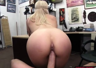 Hot blonde chick gets her pussy fucked