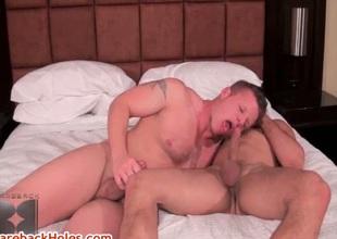 Travis Turner & Joey Milano sucking cock