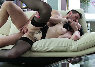 Veruca James is glory in control regarding Manuel Ferraras on-again-off-again worm in her mouth after this indulge takes it in her ass way