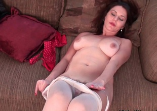 American milf Kelli plays with the brush flimsy pussy in nylon