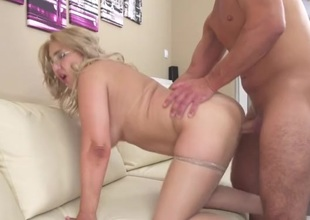 Fat ass hottie bent over be imparted to murder couch and fucked