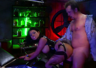 Bitch in black Eva Angelina gets hardcored on tap a bar