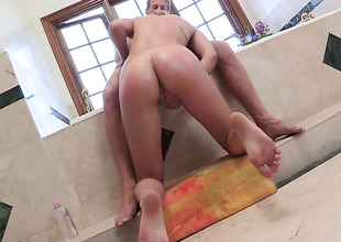 Amazingly hot Circe Lia Lor has a nice time playing in the matter of cum swiller dick