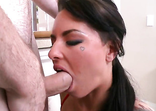 Christy Mack spends her raunchy energy with stiff meat stick in her mouth