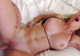 Meat grinding Brooke Wylde loves to POV fuck