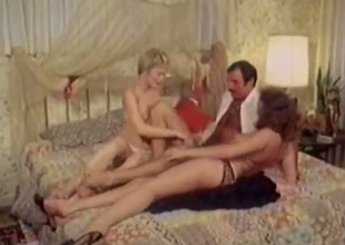 Hot chicks give be in succession word-of-mouth sex in 69 position in hot FFM threesome scene