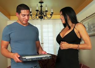Sheila Marie in Big Titty MILFS 21