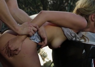 Consummate fuck on the car along hot Keira Nicole