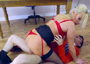 Young guy with a big dick copulates slutty Michelle Thorne