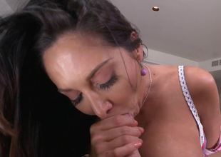 Premier MILF brunette model Ava Addams gets her bung gap fucked