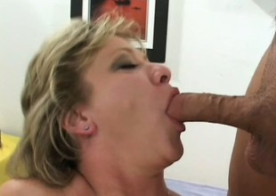 Luscious mature gold gets picked vacillate the street and fucked unending by 2 guys