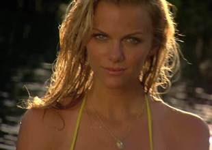 Brooklyn Decker Sports Illustrated Piss off Off Challenge