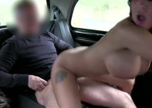 Big cock cab driver fucks a brunette bimbo doxy