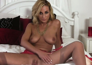 Lexi Swallow gives a closeup of will not hear of muff as she masturbates down sex-toy