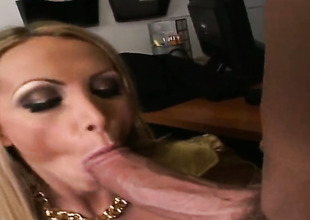 Golden-haired Nikki Benz is dangerously horny after giving blowjob forth Billy Glide