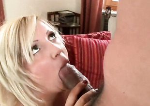 Blond Chintia Flower everywhere juicy nuisance is willing to spend hours everywhere dudes meat gin-mill in her mouth
