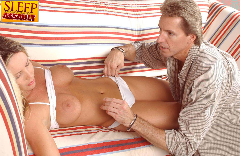 Раздевание спящей порно, Порно Спящие - 92 видео. Смотреть порно онлайн! 16 фотография